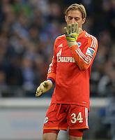 FUSSBALL   1. BUNDESLIGA   SAISON 2013/2014   12. SPIELTAG FC Schalke 04 - SV Werder Bremen                           09.11.2013 Torwart Timo Hildebrand (FC Schalke 04)