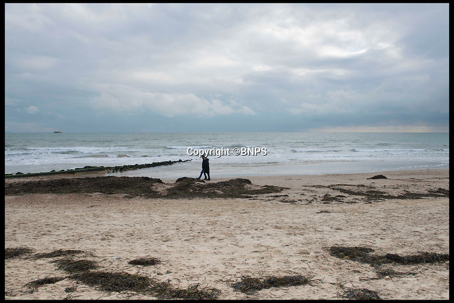 BNPS.co.uk (01202 558833)<br /> Pic: LauraDale/BNPS<br /> <br /> The view from the back of the plot, facing out onto Sandbanks beach.<br /> <br /> A narrow empty plot of land in the world-renowned Sandbanks area is on the market for &pound;6.25million.<br /> <br /> The piece of land is worth &pound;2m more now its empty than it was when the owner bought it with two semi-detached houses on it.<br /> <br /> The area in Dorset, often called Millionaire's Row, is said to be the fourth most expensive place in the world to live and this plot is one of the few left to redevelop.