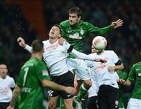 USSBALL   1. BUNDESLIGA    SAISON 2012/2013    10. Spieltag   Werder Bremen - FSV Mainz 05                             04.11.2012 Sokratis Papastathopoulos (Mitte, SV Werder Bremen) gegen Adam Szalai (1. FSV Mainz 05)