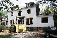 1987 May ..Conservation.Lafayette-Winona..126 DUPONT CIRCLE.PROGRESS PHOTO...NEG#.NRHA#..
