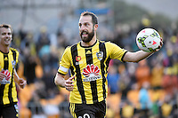 Andrew Durante (c) in action during the A League - Wellington Phoenix v Adelaide United at Hutt Recreational Ground, Lower Hutt, New Zealand on Saturday 7 March 2015. <br /> Photo by Masanori Udagawa. <br /> www.photowellington.photoshelter.com.