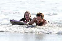 Stephen Moyer in the waves with daughter Lillac - Los Angeles - EXCLUSIVE PHOTOS
