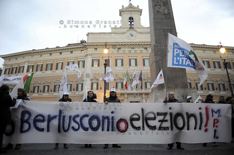 Roma, 26 Gennaio 2011Piazza MontecitorioIl Movimento per l'Italia con Daniela Santanchè manifesta davanti il Parlamento contyro le toghe rosse e per chiedere le dimissioni di Gianfranco Fini