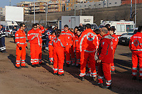 Roma 28 Febbraio 2009.Prima campagna di vaccinazione della Croce Rossa Italiana riguardante i bambini del campo nomadi Casilino 900, uno dei più grandi della Capitale..Il breifing prima di iniziare