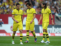 FUSSBALL   1. BUNDESLIGA  SAISON 2012/2013   2. Spieltag 1. FC Nuernberg - Borussia Dortmund       01.09.2012 Robert Lewandowski , Mats Hummels, Neven Subotic (v.li., Borussia Dortmund)