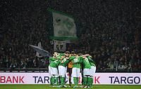 USSBALL   1. BUNDESLIGA    SAISON 2012/2013    10. Spieltag   Werder Bremen - FSV Mainz 05                             04.11.2012 SV Werder Bremen Verschwoerungskreis vor dem Spiel
