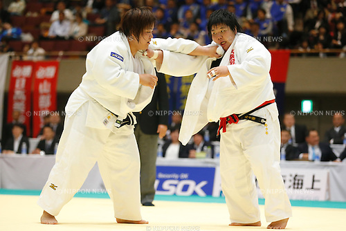 (L to R) Megumi Tachimoto, Suzuka Ichihashi, APRIL 19, 2015 - Judo : The 30th Empress Cup All Japan Women's Judo Championships Open category semi-final at Yokohamabunka Cultural Gymnasium, Kanagawa, Japan. (Photo by Sho Tamura/AFLO SPORT) [1180]