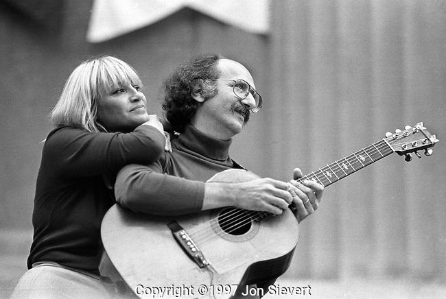 Mary Travers, Peter Yarrow, 10/7/79, Bread & Roses Festival, Greek Theater, Berkeley, CA