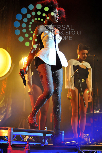 Noisettes at the Edinburgh HMV Picture house..<br /> Picture: Universal News And Sport (Scotland) 19/02/2010<br /> All pictures must be credited to