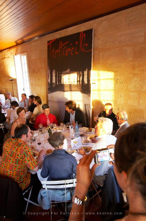gala dinner at citadelles du vin wine competition bourg bordeaux france