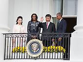 Madame Peng Liyuan, First Lady Michelle Obama, China's President XI Jinping and United States President Barack Obama participate in an official State Visit on the South Lawn of the White House in Washington, DC on Friday, September 25, 2015.<br /> Credit: Chris Kleponis / Pool via CNP
