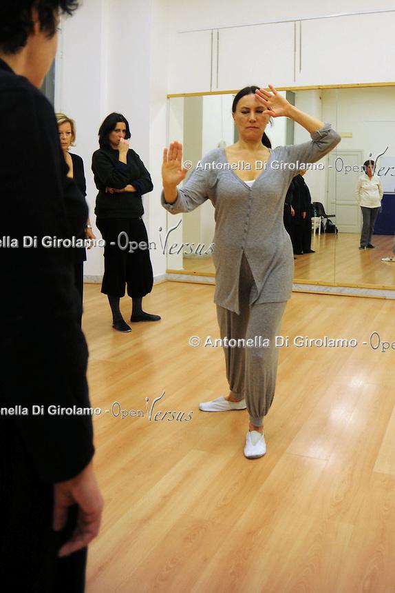Corso di Taiji Quan.Taiji Quan Course. Docente Silvia Chiavacci:Upter. L' Università popolare di Roma si occupa dell' apprendimento permanente degli adulti.Popular University of Rome is responsible for Life Long Learning.