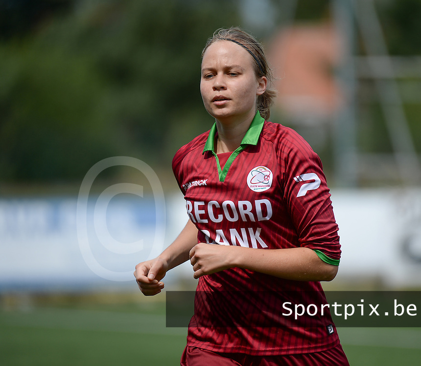 20150808 - ZULTE , BELGIUM : Zulte's Eva Van Daele pictured during a friendly soccer match between the women teams of Zulte-Waregem and RSC Anderlecht  , during the preparations for the 2015-2016 SUPERLEAGUE season, Saturday 8 August 2015 . PHOTO DAVID CATRY
