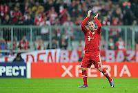 FUSSBALL   CHAMPIONS LEAGUE   SAISON 2011/2012  Achtelfinale Rueckspiel 13.03.2012 FC Bayern Muenchen - FC Basel  Mit Dank an die Fans bei seiner Auswechslung; Franck Ribery (FC Bayern Muenchen)