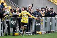 Andrew Durante in action during the A League - Wellington Phoenix v Newcastle Jets Game at Westpac Stadium, Wellington, New Zealand on Sunday 26 October 2014. <br /> Photo by Masanori Udagawa. <br /> www.photowellington.photoshelter.com.