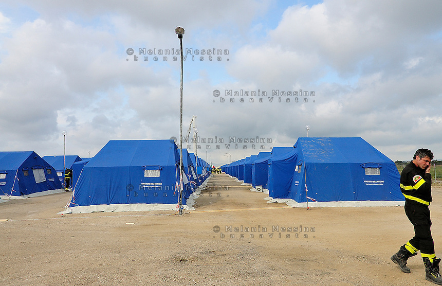 the tent cities set up at Chinisia, near the airport of Trapani Birgi to receive migrants from Lampedusa.<br />