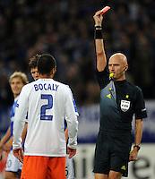 FUSSBALL   CHAMPIONS LEAGUE   SAISON 2012/2013   GRUPPENPHASE   FC Schalke 04 - Montpellier HSC                                   03.10.2012 Schiedsrichter Sergej Karasev zeigt Garry Bocaly (MHSC) die rote Karte