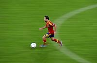 FUSSBALL  EUROPAMEISTERSCHAFT 2012   VORRUNDE Spanien - Irland                     14.06.2012 Xavi Hernandez (Spanien) Einzelaktion am Ball
