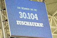 Fußball Relegation um den Aufstieg in die 3. Bundesliga - Rasenballsport Leipzig (RB) empfängt am Mittwoch (29.05.2013) im Relegationsspiel die Sportfreunde Lotte (SL) in der Red-Bull-Arena Leipzig. .IM BILD: Die Zuschauerzahl von 30104 Besuchern steht auf der Anzeigetafel .Foto: Christian Nitsche
