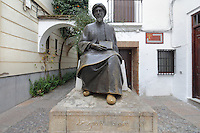 Statue of Moses ben Maimon, known as Maimonides, 1135-1204, Jewish scholar, philosopher and physician, on a stone pedestal in the Jewish Quarter of Cordoba, Andalusia, Southern Spain. Maimonides was forced to flee with his family to Fez aged 23 to escape religious persecution by fanatical Almohads in al-Andalus. The historic centre of Cordoba is listed as a UNESCO World Heritage Site. Picture by Manuel Cohen