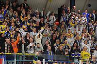IJSHOCKEY: EINDHOVEN: 15-01-2014, Bekerfinale UNIS Flyers- Tilburg trappers, uitslag 1-2, Tilburgse supporters vieren de winst, ©foto Martin de Jong