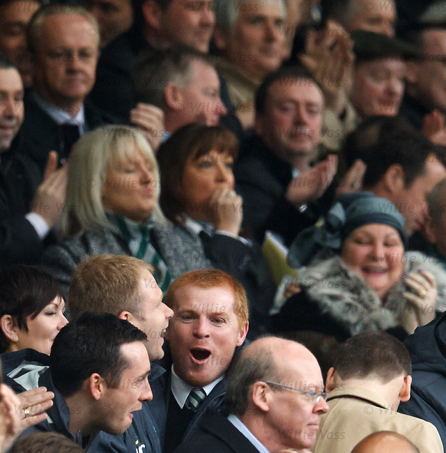 Neil Lennon celebrates as Celtic take the lead