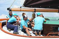 ZEILEN: LANGWEER: Langwarder Wielen, 24-07-2014, SKS skûtsjesilen, winnende skûtsje Akkrum met schipper Pieter Meeter, ©foto Martin de Jong
