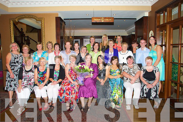 32 walsh kerry 39 s eye photo sales for A maureen mccarthy salon