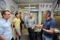 SCHAATSEN: HEERENVEEN: 06-06-2013, IJSSTADION THIALF, actiegroep thialf-moetblijven.nl te gast in Thialf, v.l.n.r. Hedser Kok, Remco Folkerts, Peter van Gool, IJsmeester Beert Boomsma geeft uitleg, ©foto Martin de Jong