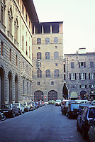 Florence: Palazzo with upper balcony closing the Via Sassetti. This is identified by Spiro Kostof as the Palazzo Davenzati, late 14th century.