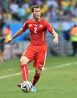 FUSSBALL WM 2014  VORRUNDE    GRUPPE E     Schweiz - Frankreich                   20.06.2014 Stephan Lichtsteiner  (Schweiz) am Ball
