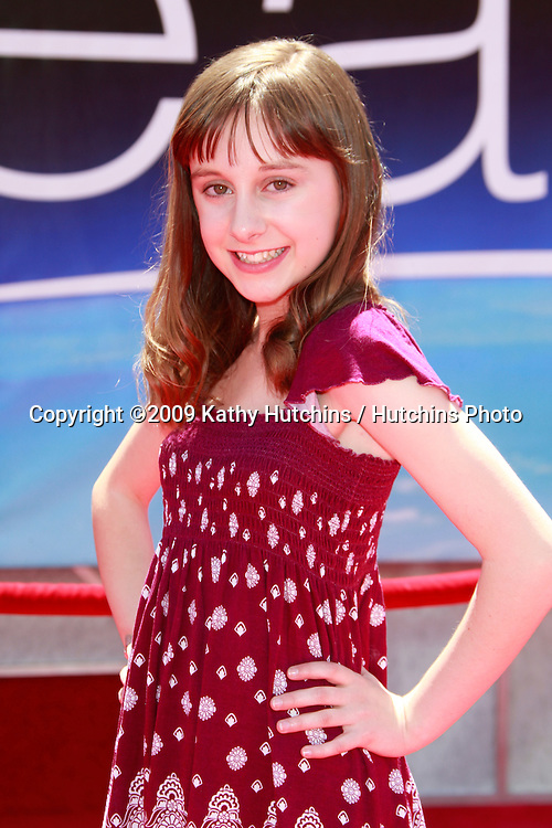 Allisyn Ashley Arm - Photo Set