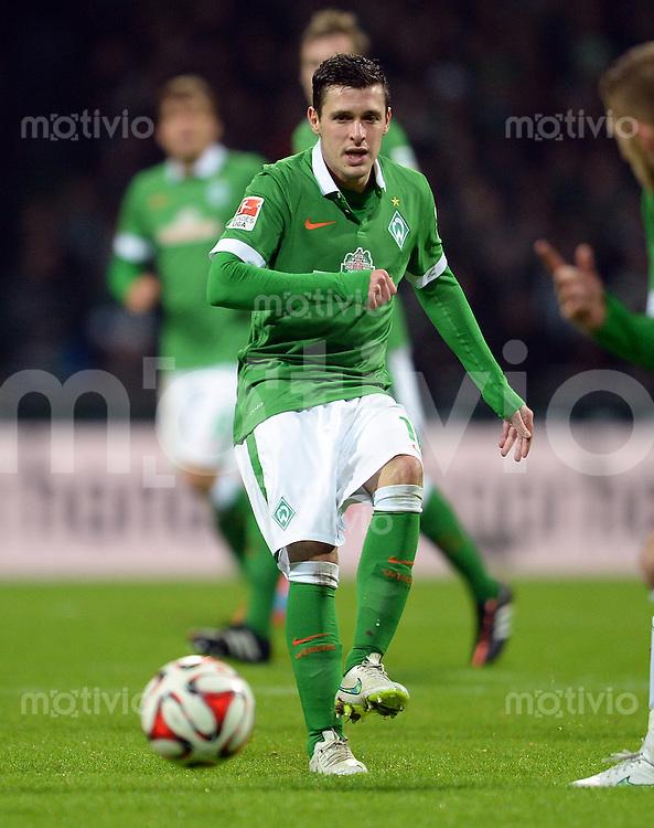 FUSSBALL   1. BUNDESLIGA   SAISON 2014/2015   15. SPIELTAG SV Werder Bremen - Hannover 96                         13.12.2014 Zlatko Junuzovic (SV Werder Bremen)