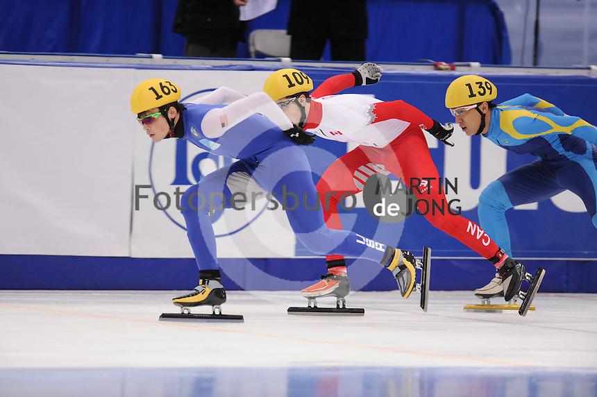 "SHORT TRACK: MOSCOW: Speed Skating Centre ""Krylatskoe"", 14-03-2015, ISU World Short Track Speed Skating Championships 2015, Ranking Races, John-Henry KRUEGER (#163 | USA), Samuel GIRARD (#109 | CAN), Nurbergen ZHUMAGAZIYEV (#139 | KAZ), ©photo Martin de Jong"