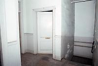 1986 February ..Rehabilitation.Attucks Theatre.Church Street..2ND FLOOR.OFFICE SPACE.INTERIOR...NEG#.NRHA#..