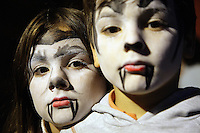 France. Alpes-Maritimes province. Antibes. Marineland. La petite ferme du Far West. Amusement park. In preparation for the Halloween night, Miceala and Nicola Ruef have their faces made up as vampires. Marineland is an animal exhibition park and receives more than a million visitors per year. MODEL RELEASED. 03.11.06 © 2006 Didier Ruef