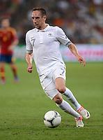 FUSSBALL  EUROPAMEISTERSCHAFT 2012   VIERTELFINALE Spanien - Frankreich      23.06.2012 Franck Ribery (Frankreich) Einzelaktion am Ball