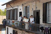 VEDANO AL LAMBRO (MB) Italy: la famiglia di MOSTAFA.JMAALI ( Marocco, 1959), con la moglie AICHA ZERRAB.( Marocco 1960 ), il figlio  YOUNES (1981) con la sua compagna cinese YU XIAOYI (1983 ), ERICA VERMEER (Olanda 1983 ) compagna del figlio YASSER ( 1982 ), e ANASS (1991)..VEDANO AL LAMBRO (MB): The family of MOSTAFA.JMAALI (Morocco, 1959), with his wife AICHA ZERRAB.(Morocco 1960), the son YOUNES (1981) with its Chinese partner YU XIAOYI (1983), ERICA VERMEER (Holland 1983) partner of the  son YASSER (1982), and ANASS (1991) the youngest son.