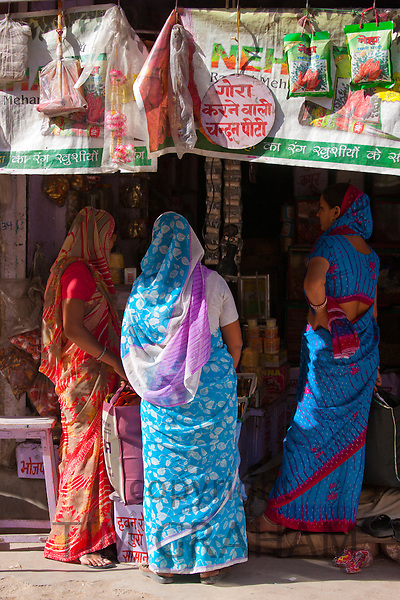Indian women shopping, street sceneTambaku Bazar in Jodhpur Old Town, Rajasthan, Northern India