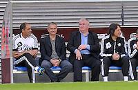 Jos&eacute; / Jose Mourinho ist Trainer beim Team Weltauswahl beim Abschiedsspiel von Michael Ballack in der Red-Bull-Arena Leipzig. Unter dem Motto &quot;Ciao Capitano&quot; bestreitet der Ex-Fussballprofi sein letztes gro&szlig;es Spiel mit Freunden in Leipzig gegen eine Auswahl von Wegbegleitern. <br /> Foto: Christian Nitsche