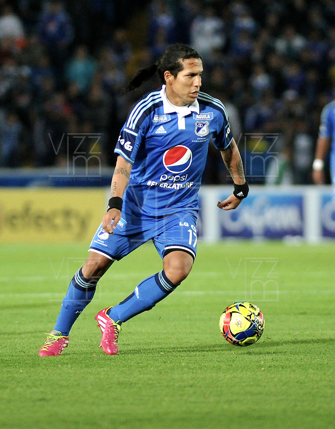 BOGOTA- COLOMBIA -02 -02-2014: Dayro Moreno, jugador de Millonarios durante partido de la segunda fecha de la Liga Postobon I 2014, jugado en el Nemesio Camacho El Campin de la ciudad de Bogota. / Dayro Moreno, player of Millonarios during a match for the second date of the Liga Postobon I 2014 at the Nemesio Camacho El Campin Stadium in Bogoto city. Photo: VizzorImage  / Luis Ramirez / Staff