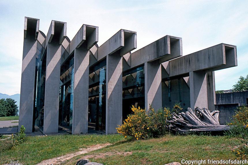 Vancouver: U.B.C. Museum of Anthropology. Arthur C. Erickson, 1973-76.