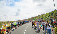 fans up Holme Moss Hill (521m/4.7km/7%)<br /> <br /> 2014 Tour de France<br /> stage 2: York-Sheffield (201km)
