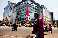 Garuda shopping mall, MG road, downtown Bangalore..BANGALORE.Bangalore also known as Bengaluru is the capital of Southern state of Karnataka, and is Asia's fastest growing cosmopolitan city. Most of the high-tech companies have their offices here, and view Bangalore as 'Byte-Basket' of India. Bangalore was once called the pensioners' paradise but that quickly changed since IT companies set-up their offices in Bangalore making it the third most populous city in India with an estimated population of 5.8 million people (2001 census)..Bangalore houses some of the most recognised companies IT companies, making it India's leading Information Technology exporter and popularly known as the 'Silicon Valley of India&quot;. Apart from IT, Bangalore is home to leading and well-recognized organisations working on defence, aerospace, telecommunication, agricultural and science research and development. ..KPN company, Getronics, has off shored multiple business units to the Indian company, Mind Tree in Bangalore, the 'Silicon Valley of India', in the state of Karnataka, India. .Photo by Suzanne Lee for Hollandse Hoogte.