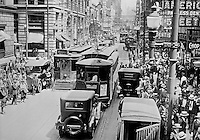 Pittsburgh PA:  View looking south on Fifth Avenue during lunch time - 1922