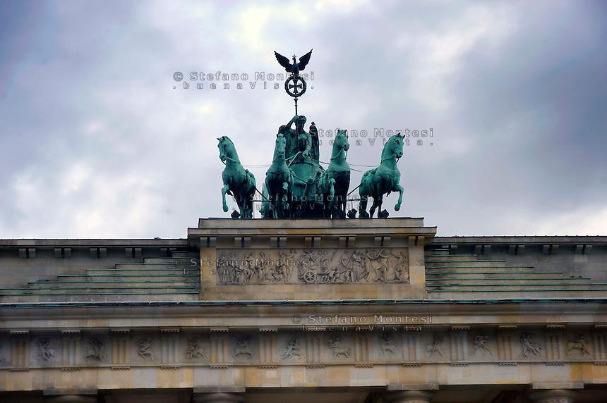 Berlino 16  Settembre 2013<br /> La quadriga sulla sommit&agrave;  della Porta di Brandenburgo<br /> The Quadriga  in the Brandenburg Gate in Berlin.