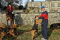 Ashford, Derbyshire, England, 28/12/2003..The Four Shires Drag Hunt hunting from Thornbridge Hall. As an alternative to fox-hunting the Four Shires use bloodhounds to chase a human quarry, in what is known as &quot;hunting the clean boot&quot;. Here the hounds get the scent of their quarry for the day...