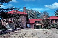 F.L. Wright: Taliesen Studio. East elevation   Photo '77.