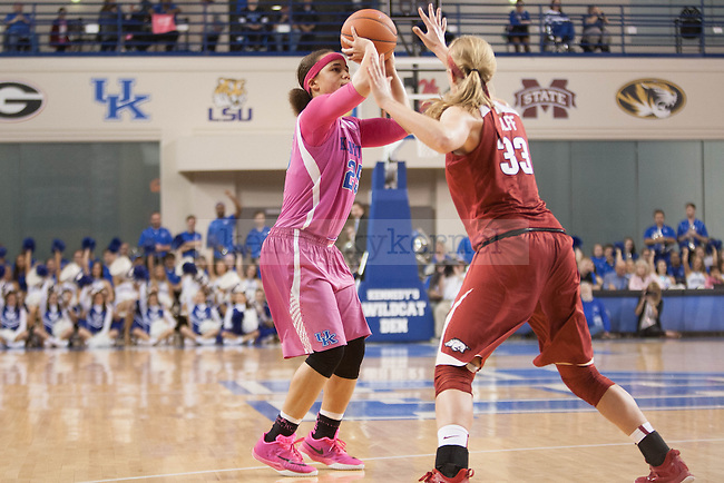 Junior guard Makayla Epps (25) shoots the ball during the game against the Arkansas Razorbacks on Sunday, February 21, 2016 in Lexington, Ky. Kentucky won the game 77-63. Photo by Hunter Mitchell | Staff