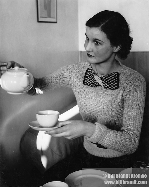 Serving tea 1940s